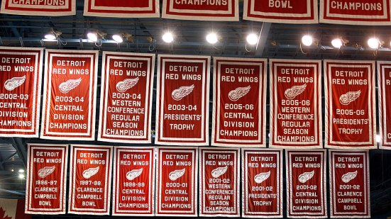red-wings-banners